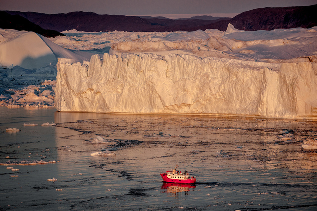 Aktivreisen: icebergs of ilulissat mady pihl air zafari visit greenland