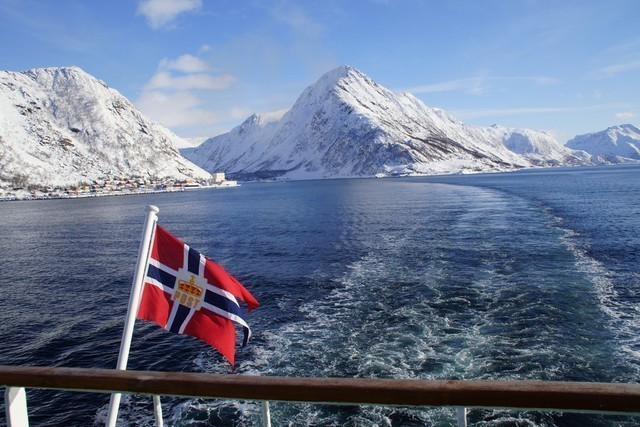 Bahn: flagge winter winfried rosen hurtigruten