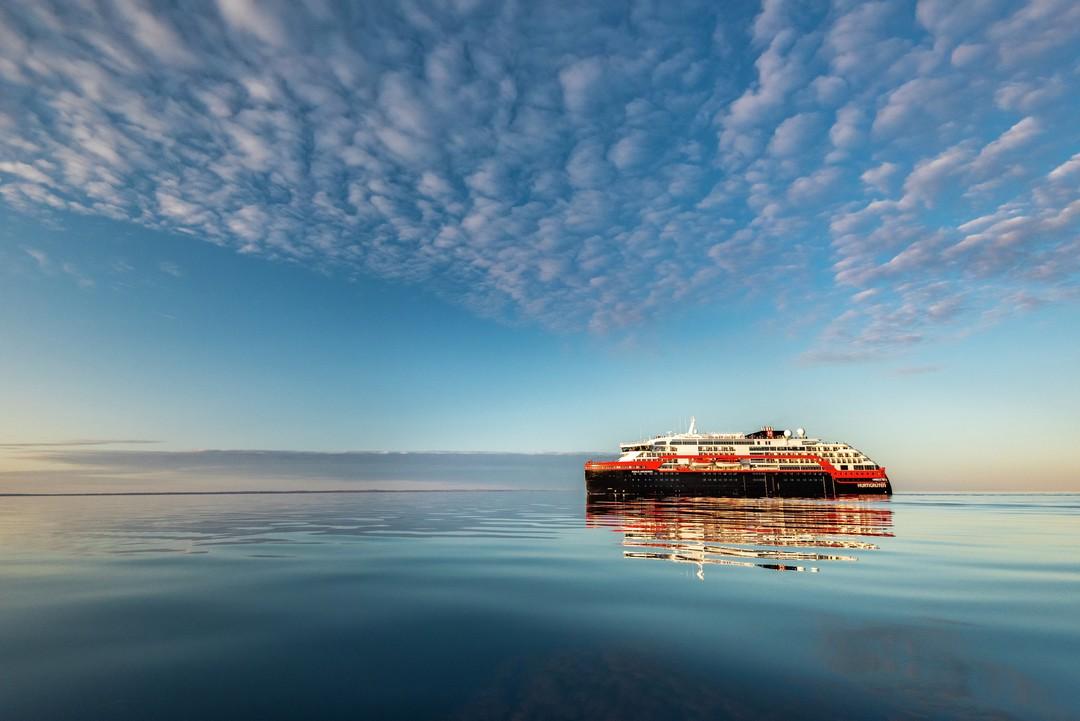 Expeditionen: ms roald amundsen karsten bidstrup hurtigruten