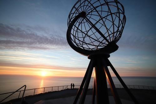 Hurtigruten: nordkapp globus carina dunkhorst hurtigruten