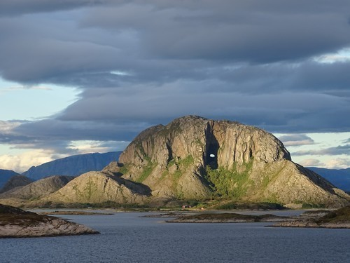 Hurtigruten - Havila: torghatten bronnoysund konrad daurer photo competition hurtigruten
