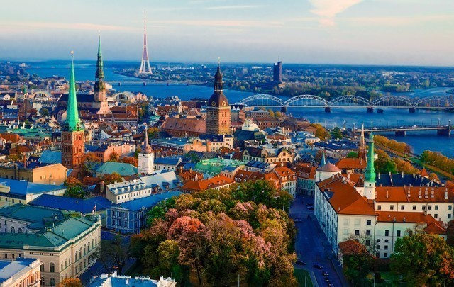 Rundreisen: riga latvia travel