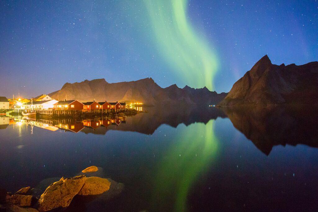 Winter: nordlichter hamnoy lofoten alex conu visitnorway com